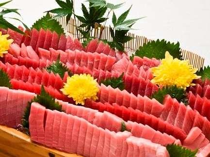 地元、三崎港で水揚げされたマグロをご賞味ください。