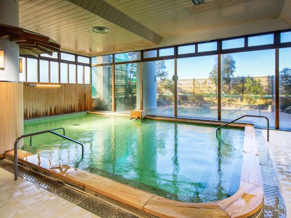 自家源泉の温泉大浴場で日頃の疲れを癒そう♪