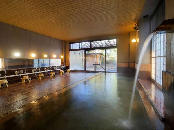 露天風呂のある庭園ひのき風呂【夢咲岬yumemisaki】8メートルもの総ひのき風呂が圧巻です~♪