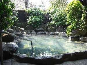 【草太郎庵】情緒ある古民家風のそば処と趣向を凝らした貸切風呂を備えた温泉宿