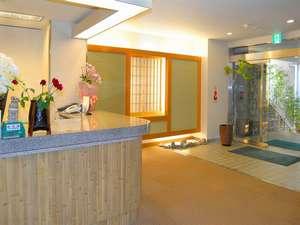 ☆フロント☆※注意当ホテルのフロントは、階段を昇って2階になっております。
