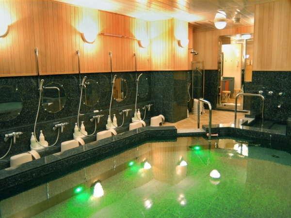 ☆大浴場☆朝6:00~9:00、夜17:00~25:00までご利用いただけます♪ゆったり朝風呂ものんびり夜風呂もOK!