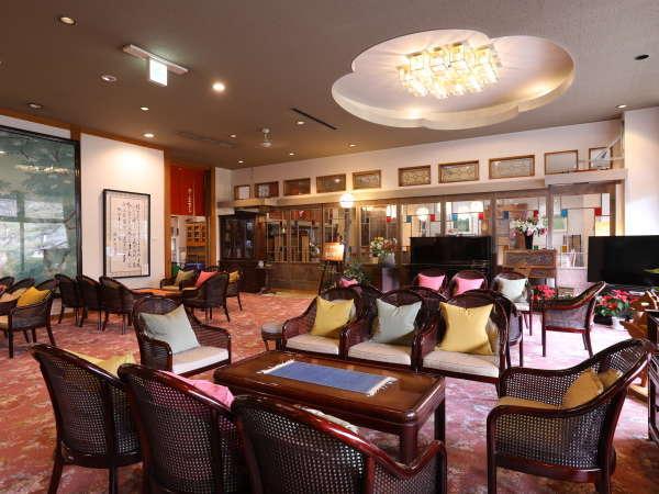 ■ロビーラウンジ ようこそ「上山田ホテル」へごゆっくりお寛ぎ下さいませ。