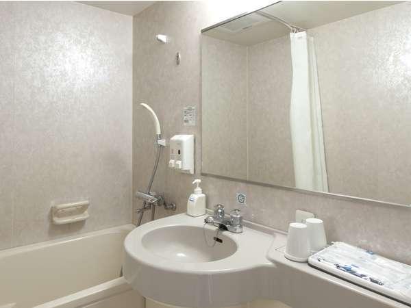 【バスルーム】鏡はくもり止め機能付き