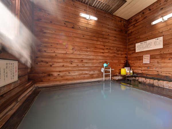 *【男性内湯】24時間入浴可能(朝8時~9時の清掃時間を除く)。