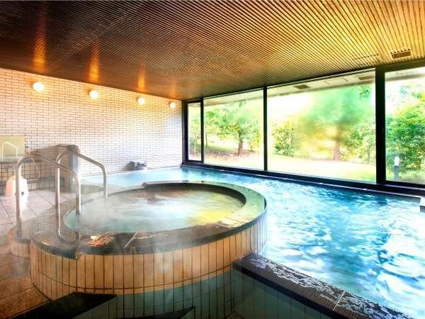 ジャグジー、サウナを完備した広々とした大浴場