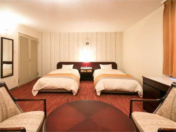 DXコンフォート備品から寝具まで、細部にこだわったお部屋です。贅沢なひと時をお過ごしください。