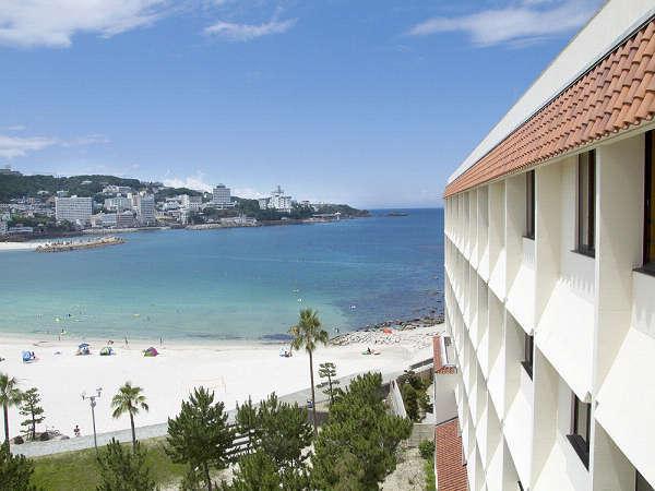 【客室からの眺望例】遮るものがなく白良浜を一望!当ホテル自慢のオーシャンビュー♪