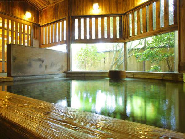 趣様々な3種の源泉貸切温泉は通常3000円のところ、1回無料プランや50%OFFプランも多数あり!