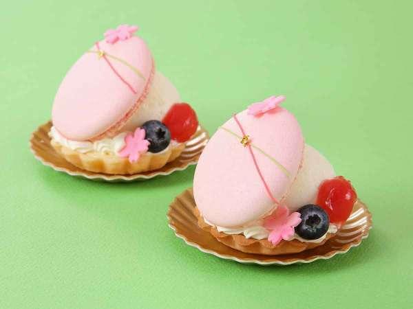 3月新作【スリジエ】450円(税別)ベイクドチーズタルトと桜香るレアチーズケーキ