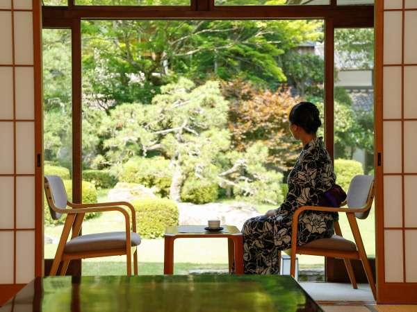 【城崎温泉 ときわ別館】客室露天とお部屋から眺める日本庭園が魅力。お食事は部屋食で。