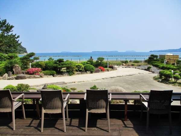 ■シービューカウンター/菊ヶ浜からの潮風・波音・海景色に酔いしれて下さい。足湯も隣接ありますよ♪