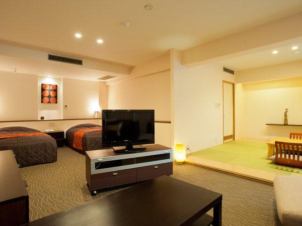 畳スペースと、リビングスペースがあるスイートタイプのお部屋もご用意しております。