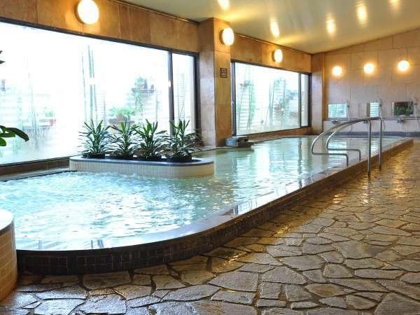 自家源泉のラジウム銀泉が楽しめる大浴場♪