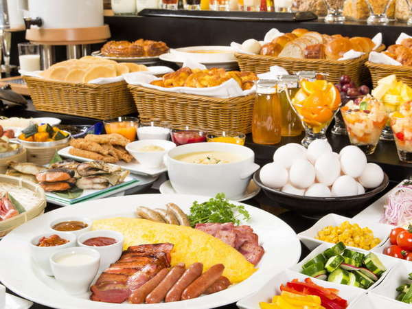 北海道の広大な大地が育む食材を活かした、全90品の洋食・和食バイキング(イメージ)