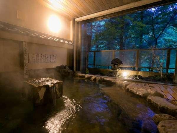 耳を澄ませば聞こえる木々のささやき、頬をなでる爽やかな風☆彡   大浴場の露天風呂