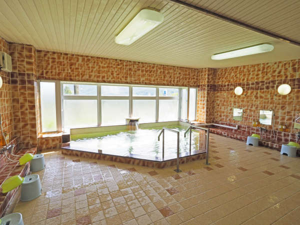 近郊施設の保養センター大浴場①