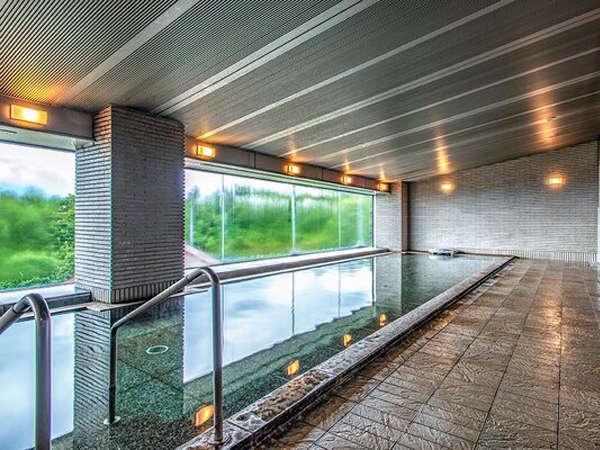 【<東館>展望露天温泉(7F)】駐車場側の「大浴場」。男女露天風呂と男女サウナ付き。