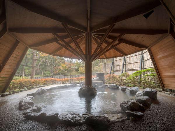 【貸切風呂】渓流露天風呂