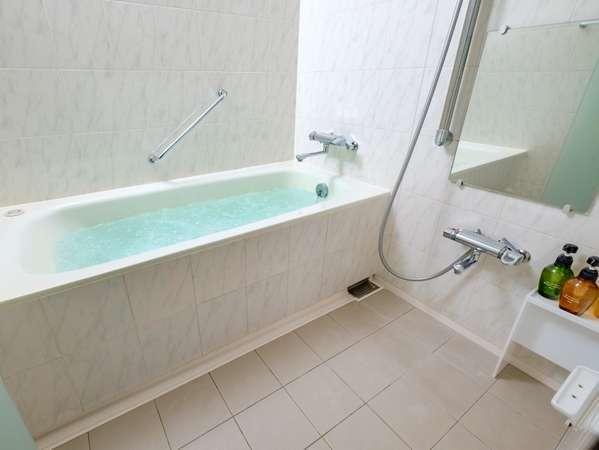 イーストウィングファミリーのお風呂は洗い場付・バブルバス