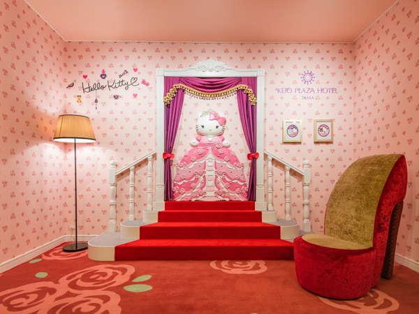 「プリンセスキティ」をモチーフにしたフォトスポットが2階のロビーに新登場♪