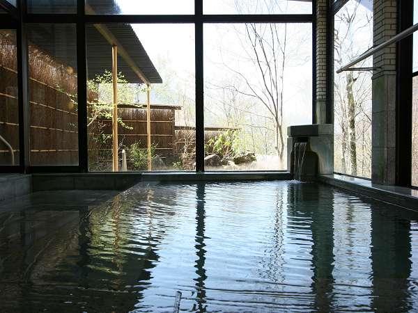 男女別内湯も、もちろん掛け流しの温泉