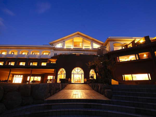 名勝 慶野松原に佇む和のクラシックリゾート「あわじ浜離宮」