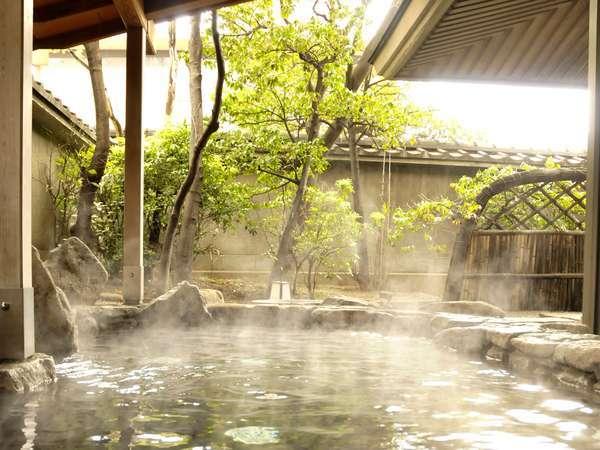 肌に優しい温泉をゆったり楽しめる露天