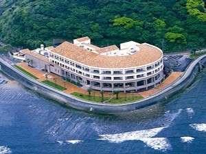 上空から見た青島サンクマール、目の前が海 絶景のロケーション