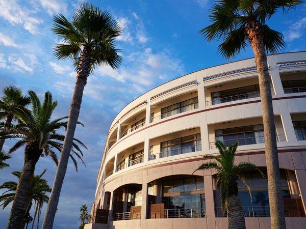 外観(ホテルは丸い形をしております)