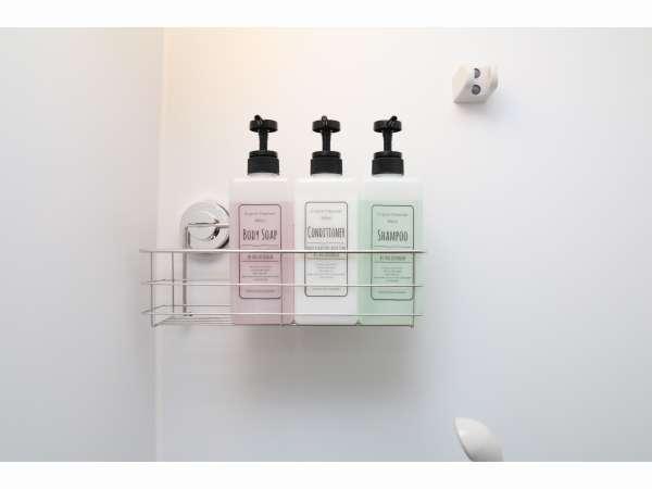 ドミトリー専用のシャワールーム。シャンプーとリンス、ボディーソープあります。