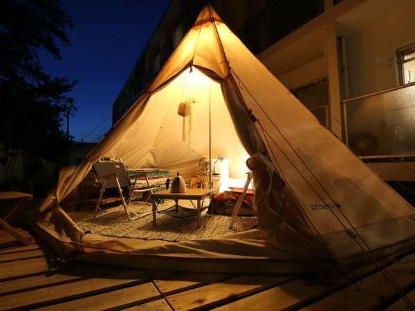 ノルディスクアルフェイム12.6㎡。最大4名宿泊可能。エアコン付きで快適。