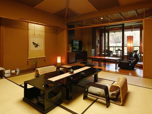 【Fタイプ:藤村】アングルを変えてのショット。奥にちらりと見える扉の中は、個室サウナです!
