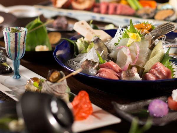 白雲荘の夕食は真鶴直送の魚介類を中心に季節の野菜やお肉をふんだんに使った会席料理♪目で舌で楽しめます