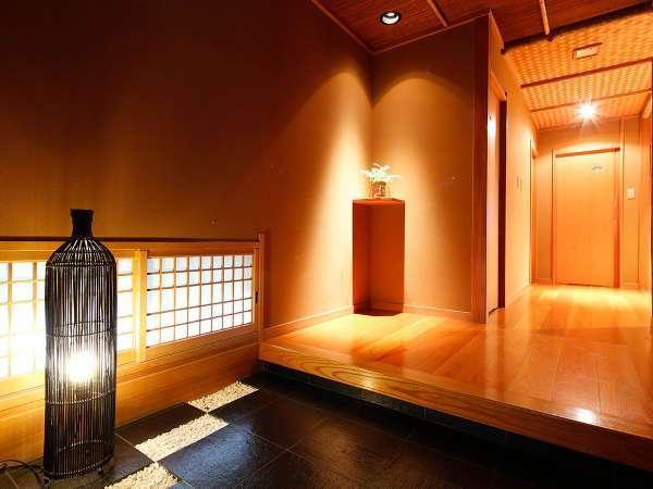 【Gタイプ:漱石】白雲荘随一の離れ「漱石文学館」。和の落ち着きに雅趣を添えた上品さに思わず溜息。