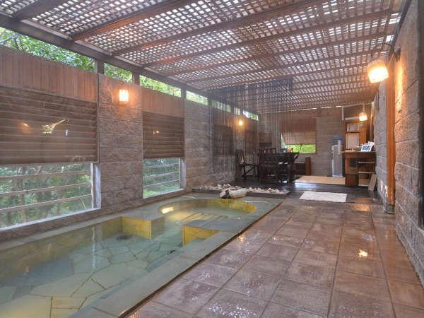 【万葉の里 白雲荘 】温泉かけ流しの露天風呂付客室(9部屋)がある和モダン旅館。