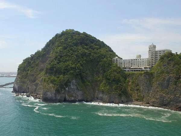 ホテル外観 駿河湾より