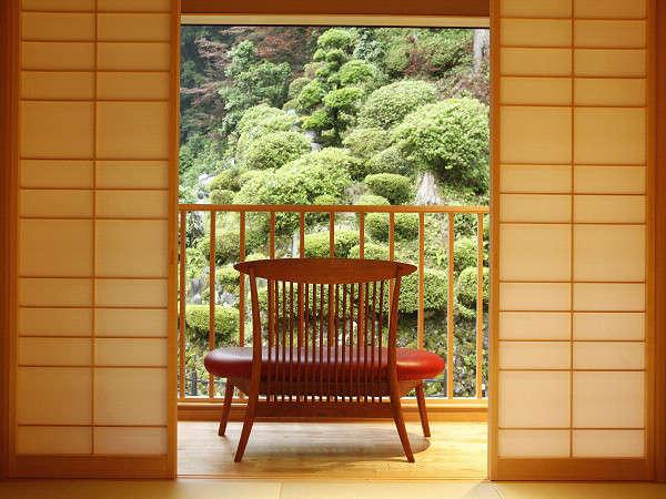 こだわり☆縁側椅子は青山BC工房の手作り無垢の椅子☆座り心地は◎です♪(この椅子は一例です)