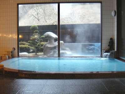 内風呂の温度は夏39℃、冬が40℃副交感神経を高め、リラックス効果、鎮静効果に期待できます。