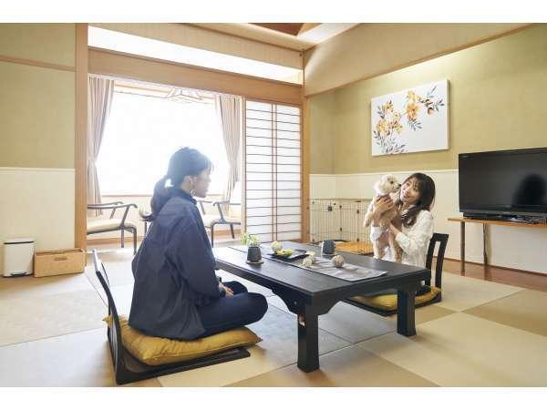 和室:ワンちゃんの優しい畳のお部屋。ワンちゃんとご一緒に寝ることができます(33㎡ 定員3-4名)