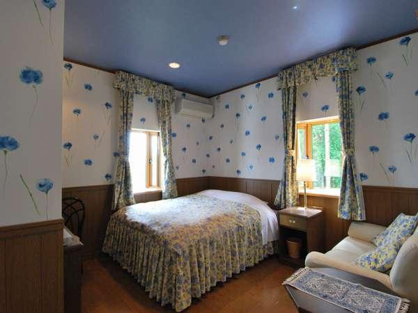 【本館 203号室】ミストサウナバス付でキングサイズのダブルベッドルーム