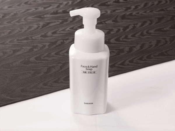 洗顔にもお使いいただける、泡で出るハンドソープをご用意しております