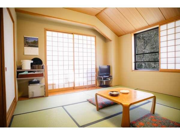 お部屋は8畳の和室タイプです♪(写真は客室1例です。)