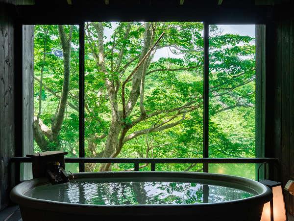 「森の専用貸切露天風呂」四季折々の季節の移ろいを感じながらの湯浴み