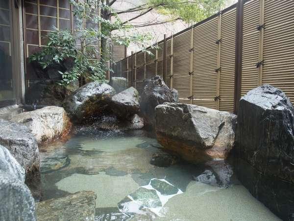 男性露天風呂(男女共大浴場に併設)