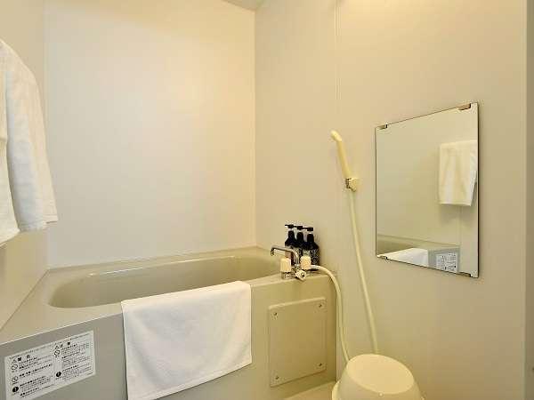 洗い場がある広さ充分のユニットバス。