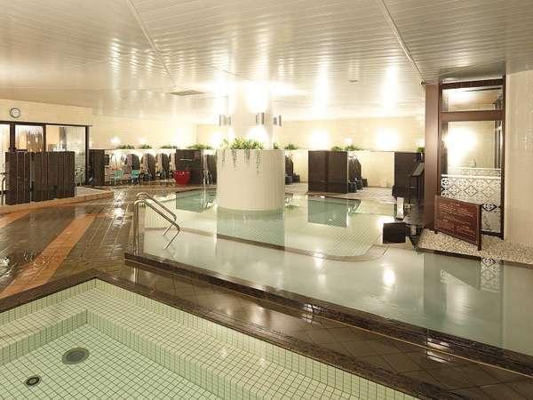 女子大浴場。通常の内湯のほか、炭酸泉やシルク風呂など女性に嬉しい変わり風呂をご用意しております。