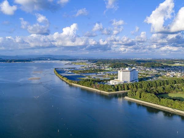【地上13階建て・総客室数369室】浜名湖畔に佇む大型リゾートホテル