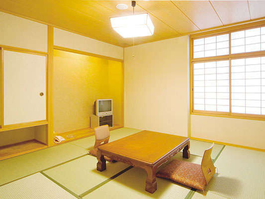 6畳~8畳の少人数様のご旅行でもご活用頂ける和室もございます。