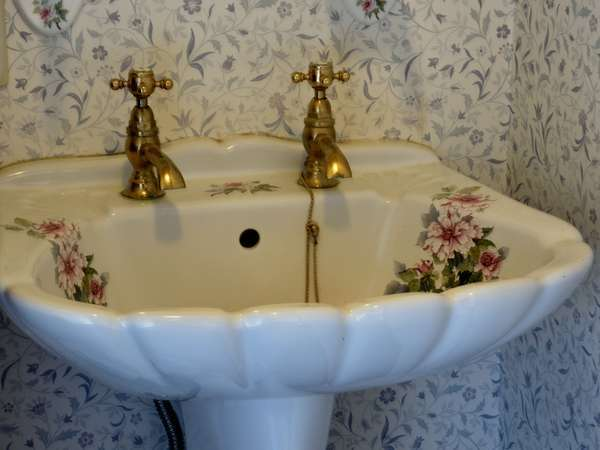 パブリック露天のアンティーク洗面